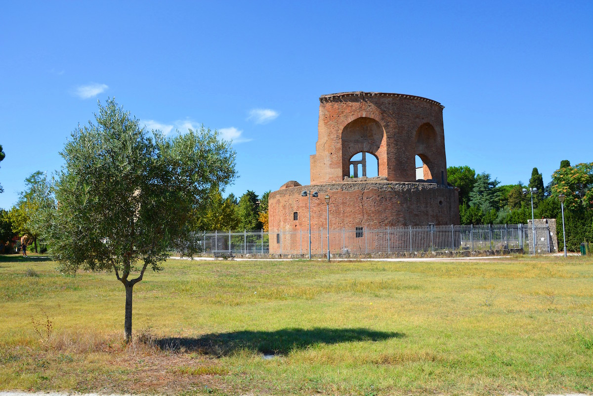 MausoleoElena2